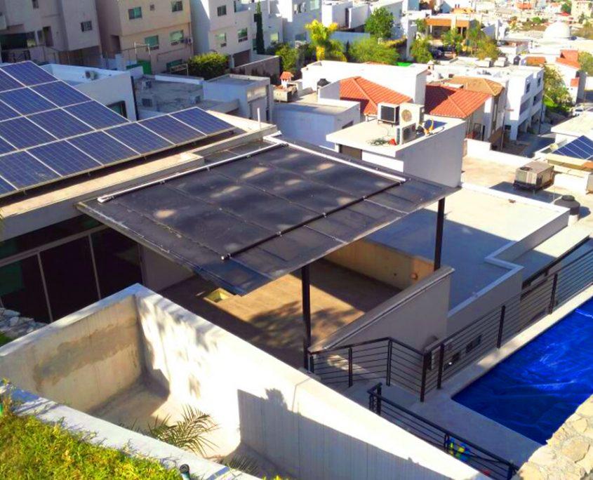 Instalación de calentadores solares para alberca y cubierta térmica